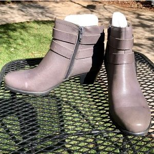 Naturalizer Grey Ankle Boots 7